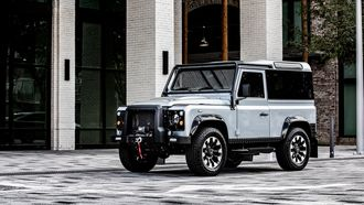 Land Rover Defender Blackbomb