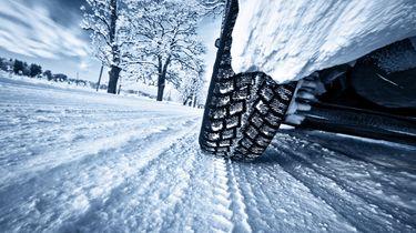 Winterbanden op de weg