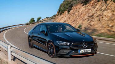 05-mercedes-benz-2019-cla-coupe-c-118-cla-250-amg-line-cosmos-black-metallic-edition-1-orange-art-2560x1440-1280x720-2
