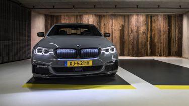 BMW 540i grille verlicht