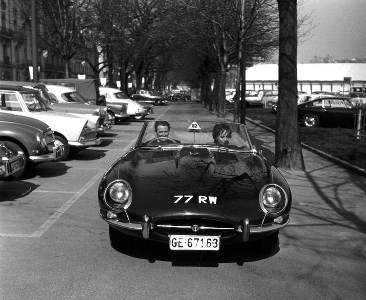 De Jaguar E-Type Cabriolet 77 RW.