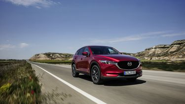 all-new-cx-5_bcn-2017_action_26