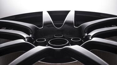 Ford Carbon wielen -2- Autovisie.nl