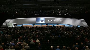 daimler-wants-to-launch-at-least-10-new-electric-cars-by-2020_2