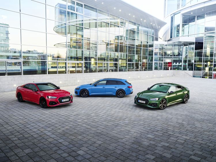 RS 5 Coupé tango red, RS 4 Avant Turbo blue Audi RS 5 Sportback, Colour: Sonoma green