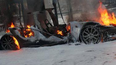 Uitgebrande elektrische auto