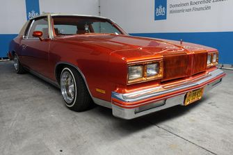 Nederlandse overheid, Oldsmobile Cutlass Supreme lowrider