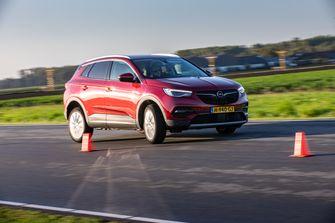 Opel Grandland X vs. Volvo XC40