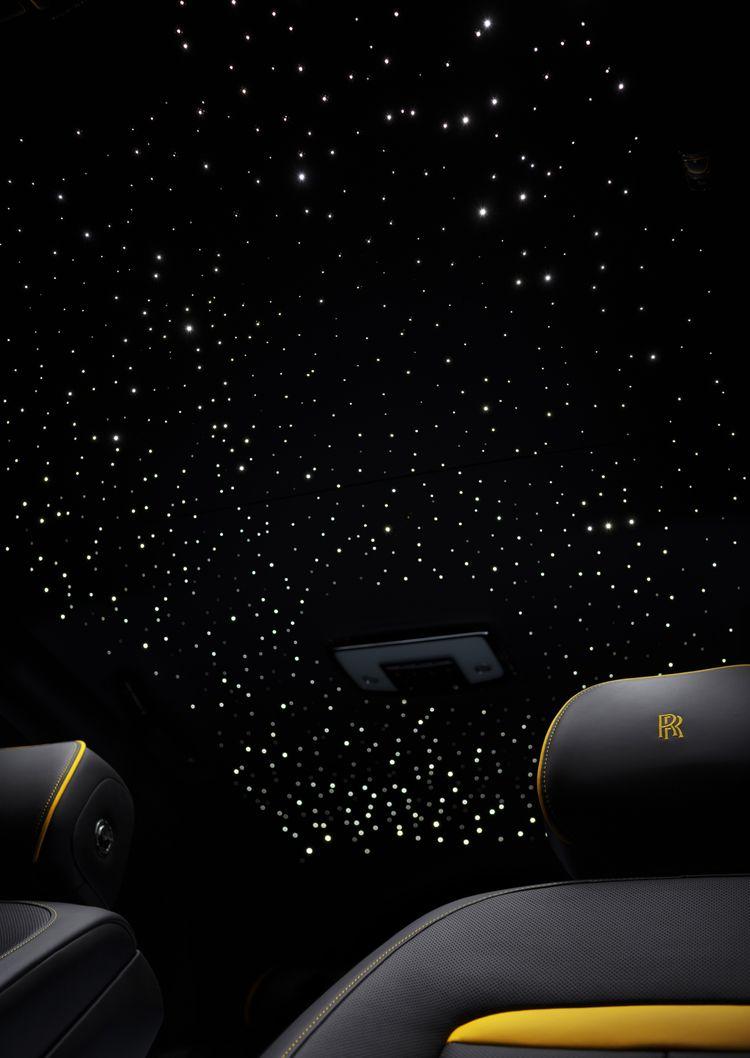 De sterrenhemel waaronder Peter Gillis plaatsneemt.