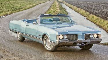 Oldsmobile Ninety Eight Convertible uit 1968