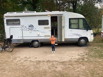 De nieuwe camper van het gezin