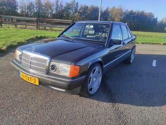 Mercedes-Benz 190E met 6.0-liter V12