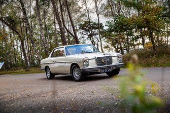 Mercedes coupé 250C W114