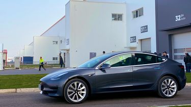 Tesla Model 3 GF3 -1