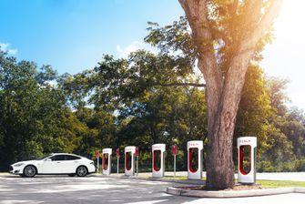 Tesla Model 3 - Supercharger - Autovisie.nl