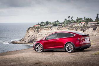 Tesla Model X a