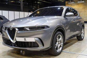 Alfa Romeo Tonale side