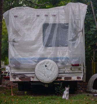 Camper stalling buiten