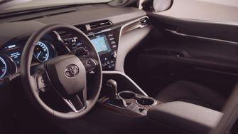Toyota Camry Hybrid Duik in de Prijslijst Foto 2
