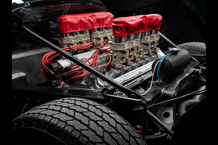 V12 in de Lamborghini Miura P400S 'Millechiodi'.