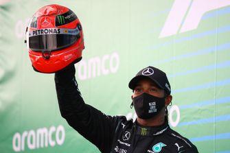 F1 Nürburgring Hamilton helm Schumacher