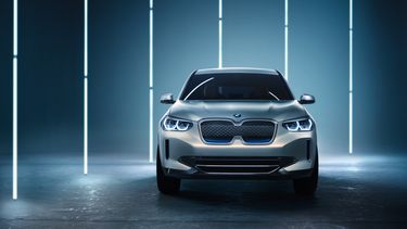 180425 - 6h00 CET - BMW Concept iX3 (16)