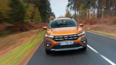 Dacia Sandero, best verkochte auto van europa, Volkswagen golf
