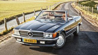 Mercedes-Benz 300 SL W107