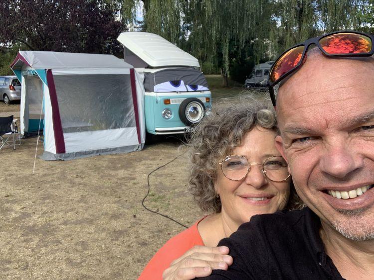 Corine en Rudo op campervakantie met hun Volkswagen T2 Westfalia