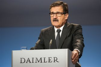 daimler-wants-to-launch-at-least-10-new-electric-cars-by-2020_3