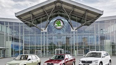 170622-15-million-cars-made-by-skoda-in-volkswagen-group